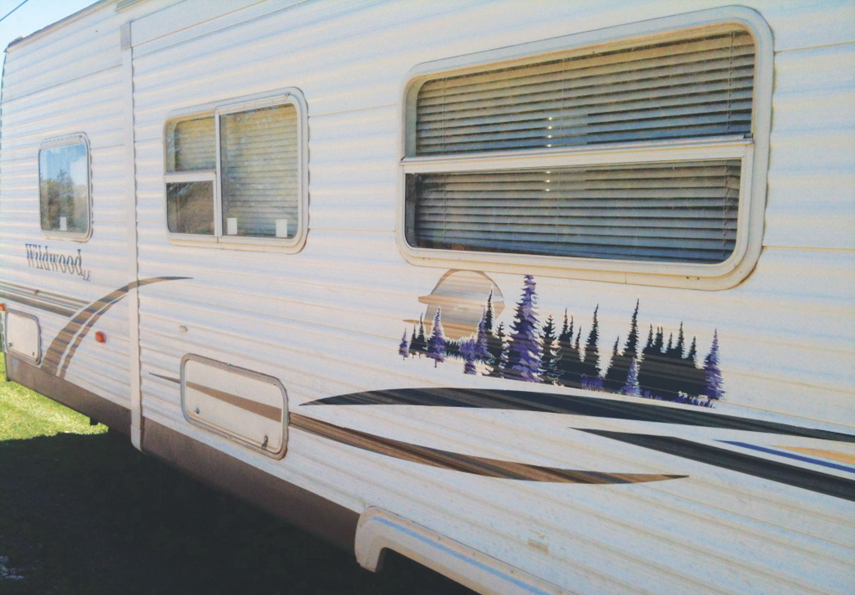 This travel trailer was sold under false pretenses on Craig's List. It was reported stolen shortly after the transaction.