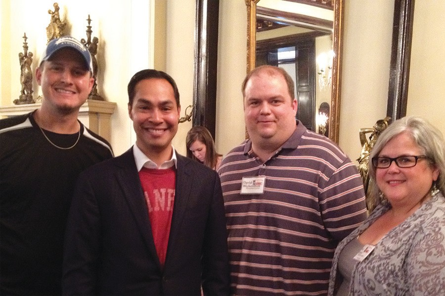 San Antonio Mayor Julian Castro congratulates Eric Smith (Express Sports Editor), David Wickersham (Express Ad Mgr. and Sue Brown (Editor) for their accomplishments at the South Texas Press Association Convention.