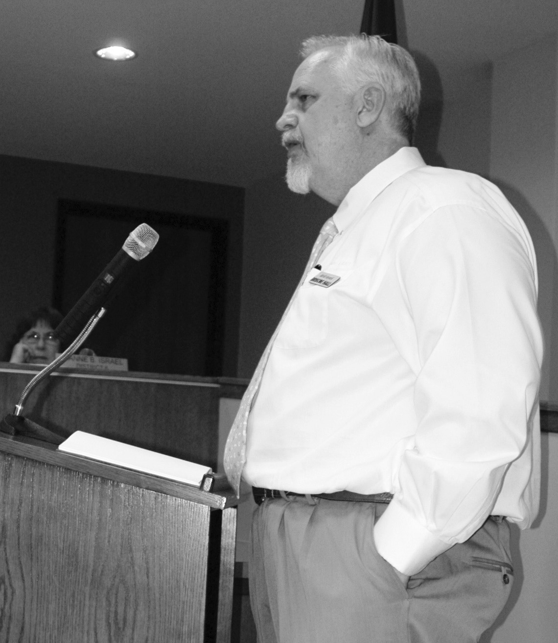 David Vinyard, CEO of Briscoe Hall Advertising, Branding, Interactive, Inc., explained the importance of branding at a workshop he led with the City of Pleasanton Council, staff and citizens last Thursday, August 29.