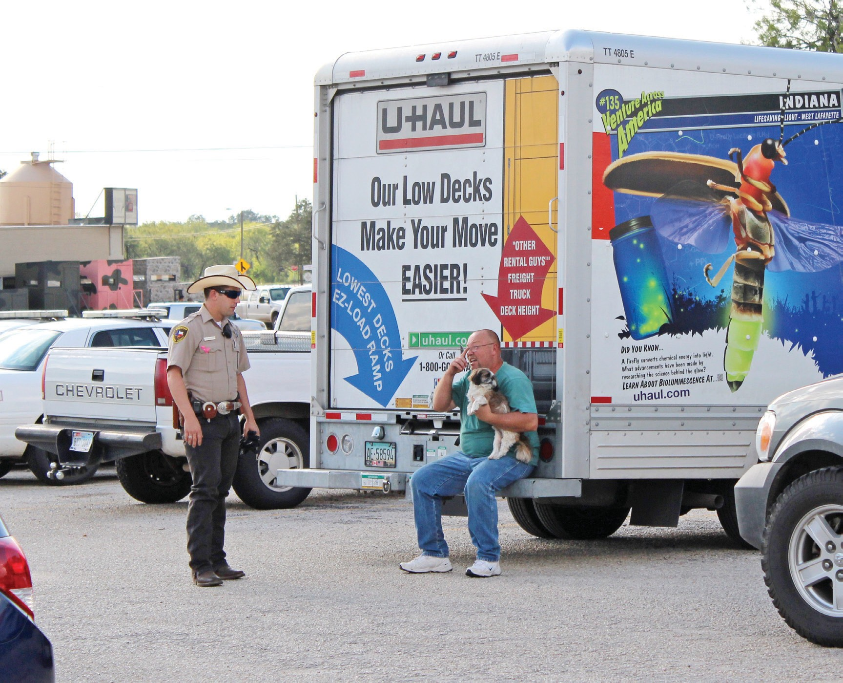 Atascosa County Sheriff's Deputy Stephen Wilson along with other deputies detained Tammy & Kenneth Micheal Collins. The Collins' were alleged to have stolen items from several homes and were transporting them in a U-Haul truck.