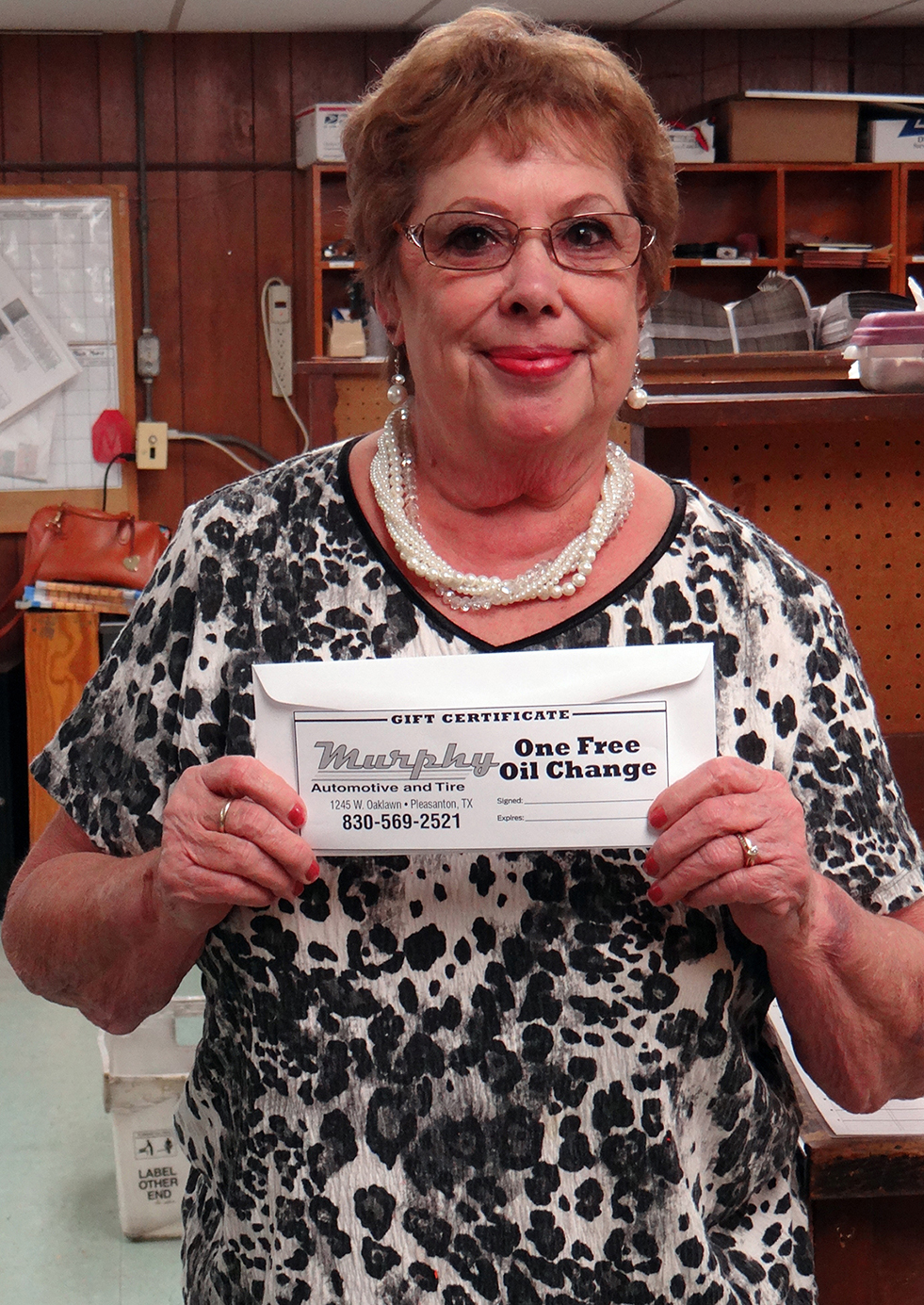 Mary Clyburn won a free oil change from Murphy's Auto playing Online Scavenger Hunt.