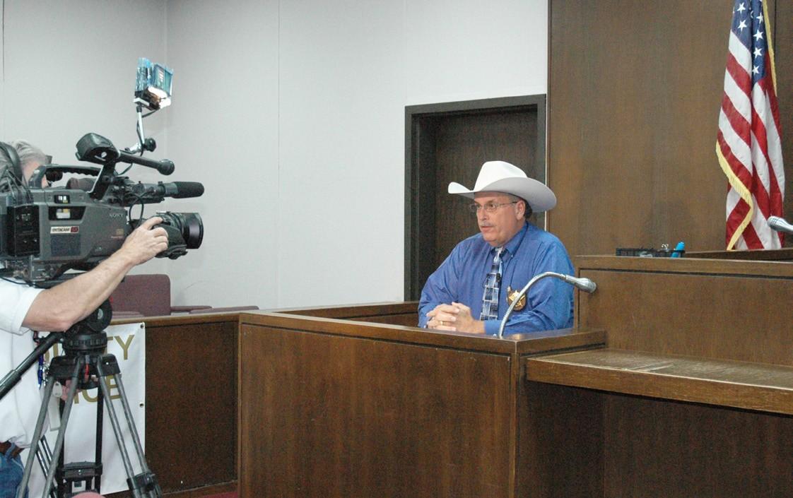 Sheriff David Soward addresses media regarding the death of Hollywood Park mayor.