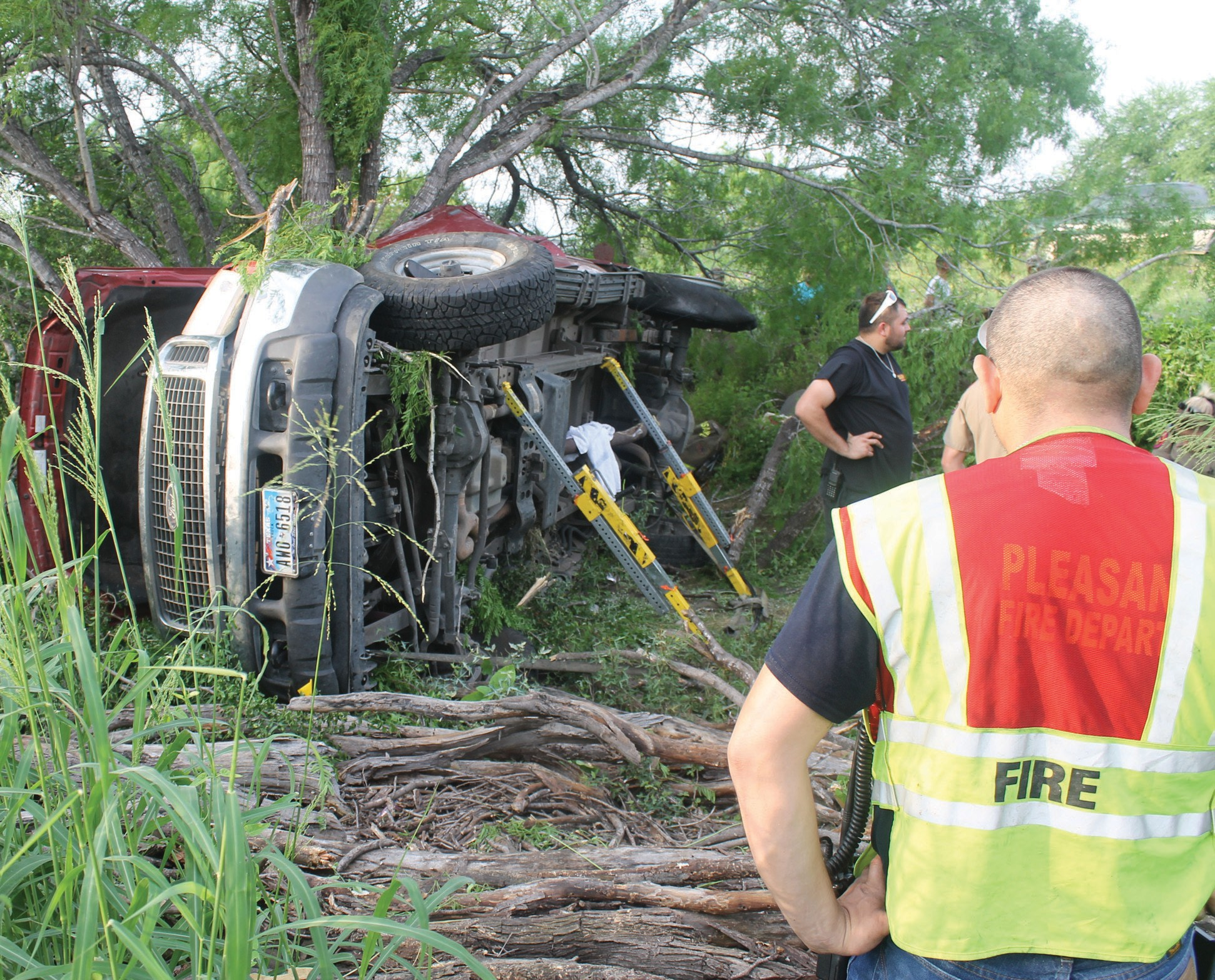 An accident on Sunday, April 26 involving a Ford Excursion resulted in a fatality. The accident occurred around 6:30 p.m. on IH-37, near mile marker 97. The Pleasanton Volunteer Fire Department and Campbellton Volunteer Fire Department assisted Texas DPS.
